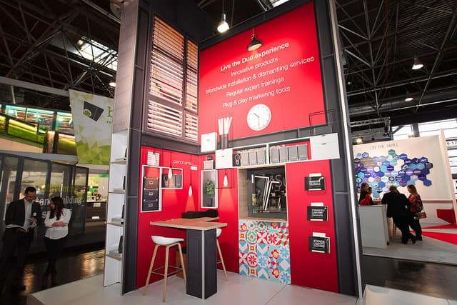 Panoramic trade show exhibit solution