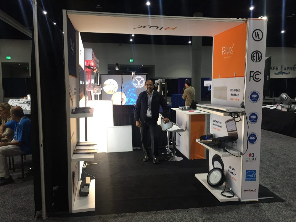 Duo Display10x10 Trade Show Booth